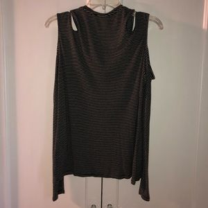 Express Double Cut Cold Shoulder, Long Sleeve Tee